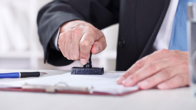 Quiero comprar/vender una vivienda y en las cargas de la nota simple aparece una referencia al ARTÍCULO 28 de la Ley Hipotecaria …. ¿Qué supone?