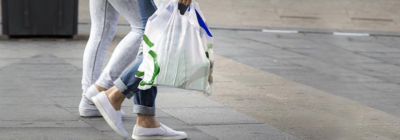 Medidas para reducir el consumo de bolsas de plástico.